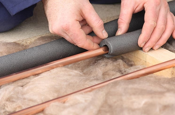 insulating-your-hot-water-pipes